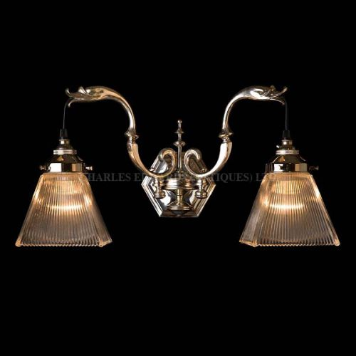 CRLSEDW swan sconce with glass